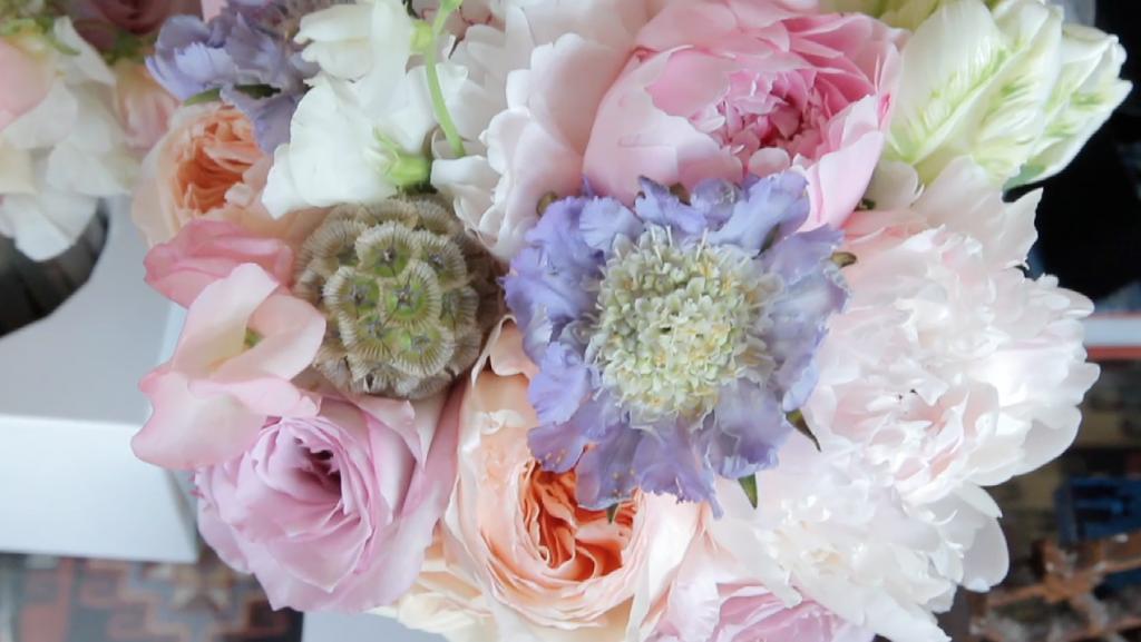 rough creek lodge jewish wedding video pic 12 bouquet