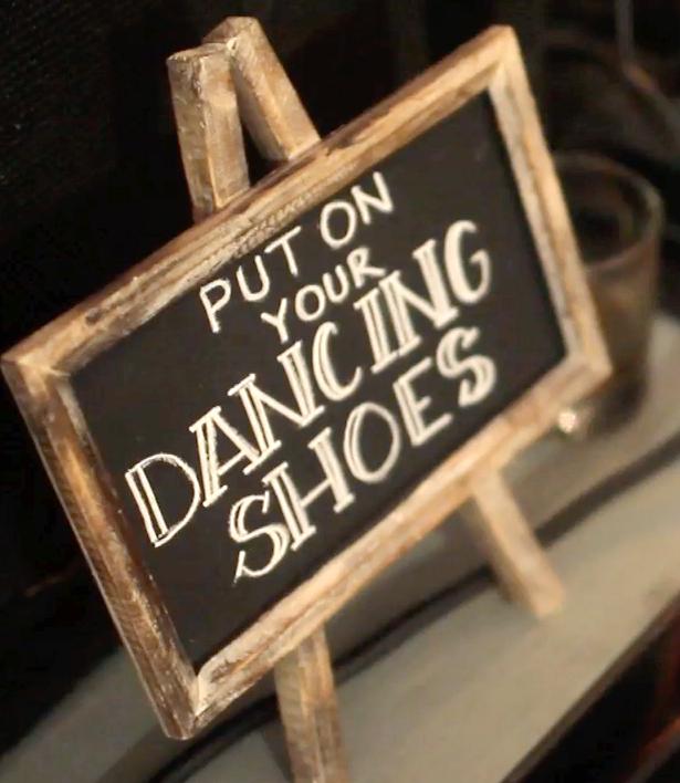 Escondido Horseshoe Bay Wedding Pic 13a DIY dance flip flop sign