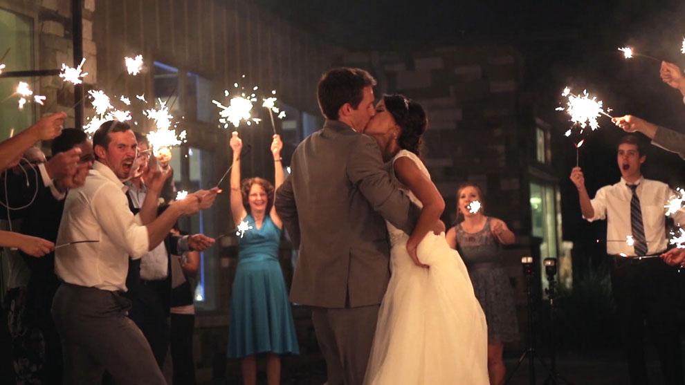 Bridal-Veil-Falls-Wedding-40.jpg