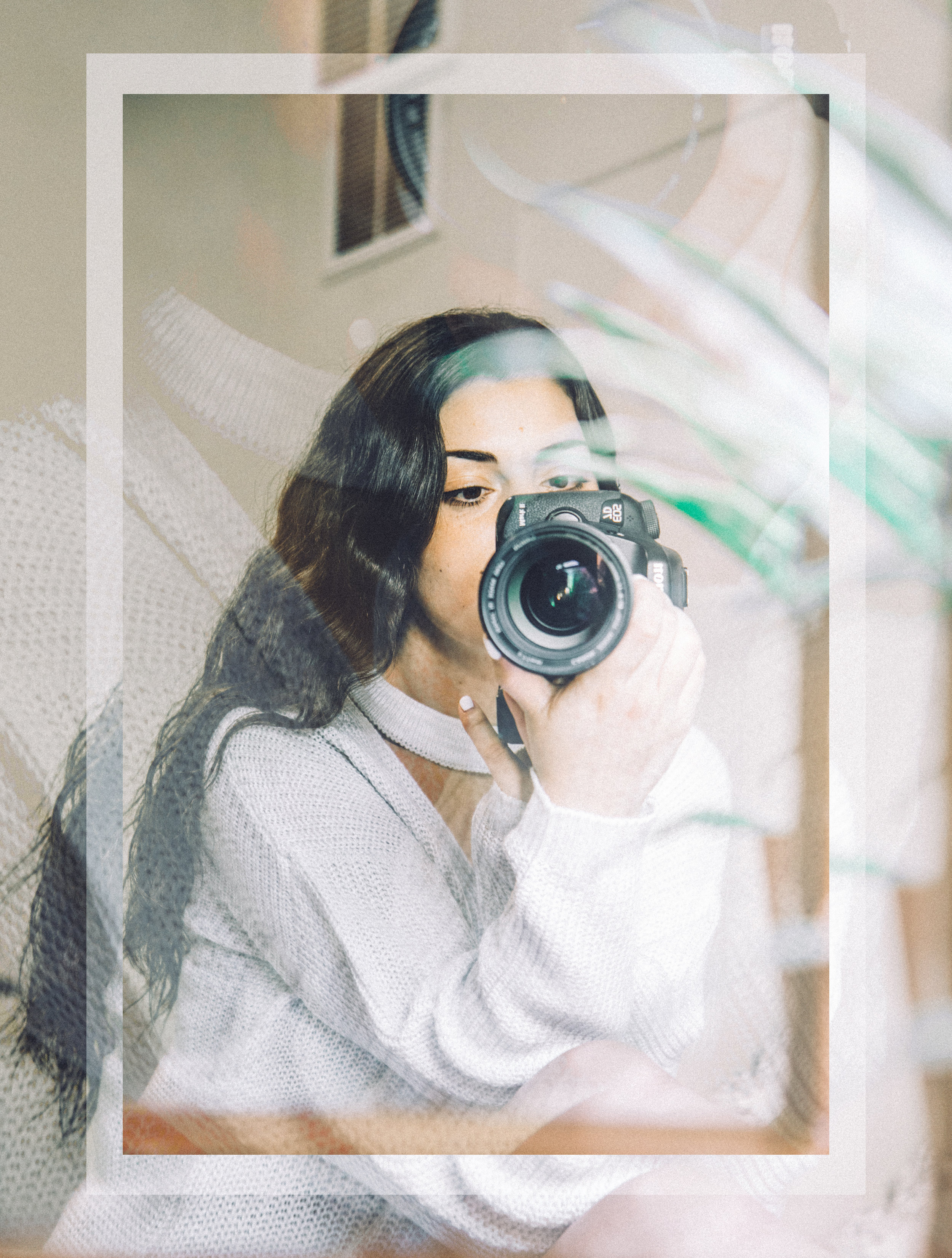 About Me - I am a New York based content creator specializing in photography, stop motion animations, and cinemagraphs for brands, businesses, bloggers and creatives.Want to work together? // ilanastraussphoto@gmail.com