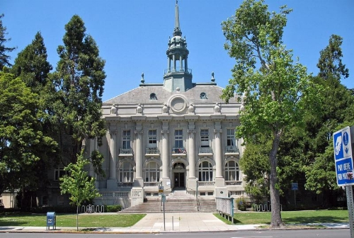 City hall _Photo by Sanfranman29 - CC BY-SA 3.0_[1].jpg