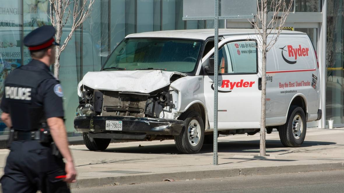 toronto-van-crash.jpg