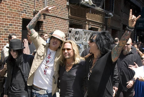 motley-crue-the-late-show-with-david-letterman-june-24-2008-arrivals-CND8wE copy.jpg