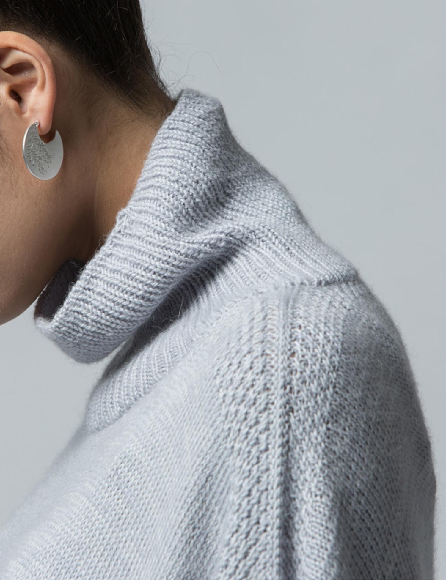 mofu-shoulderdetail.jpg