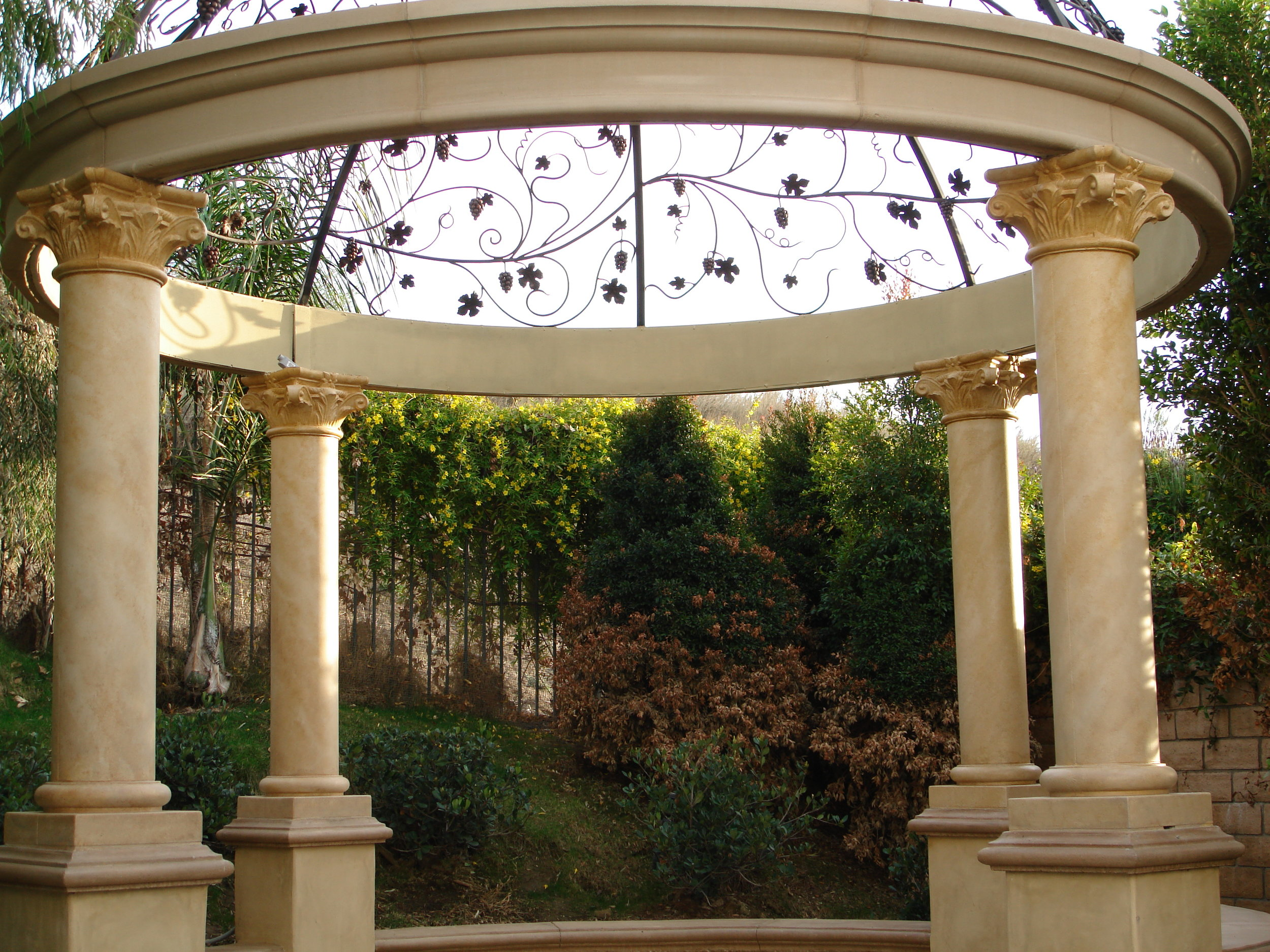 Antiqued_stone_gazebo_detail1.jpg