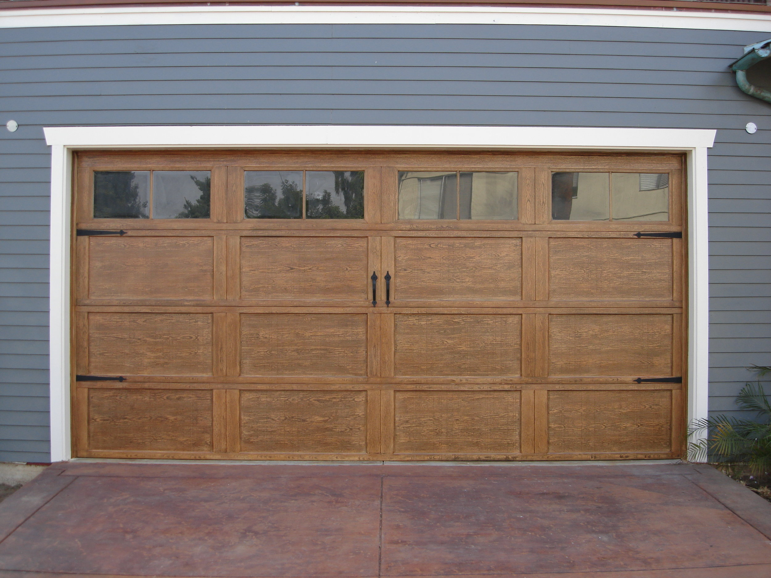 Craftsman_style_garage_door_AFTER.jpg