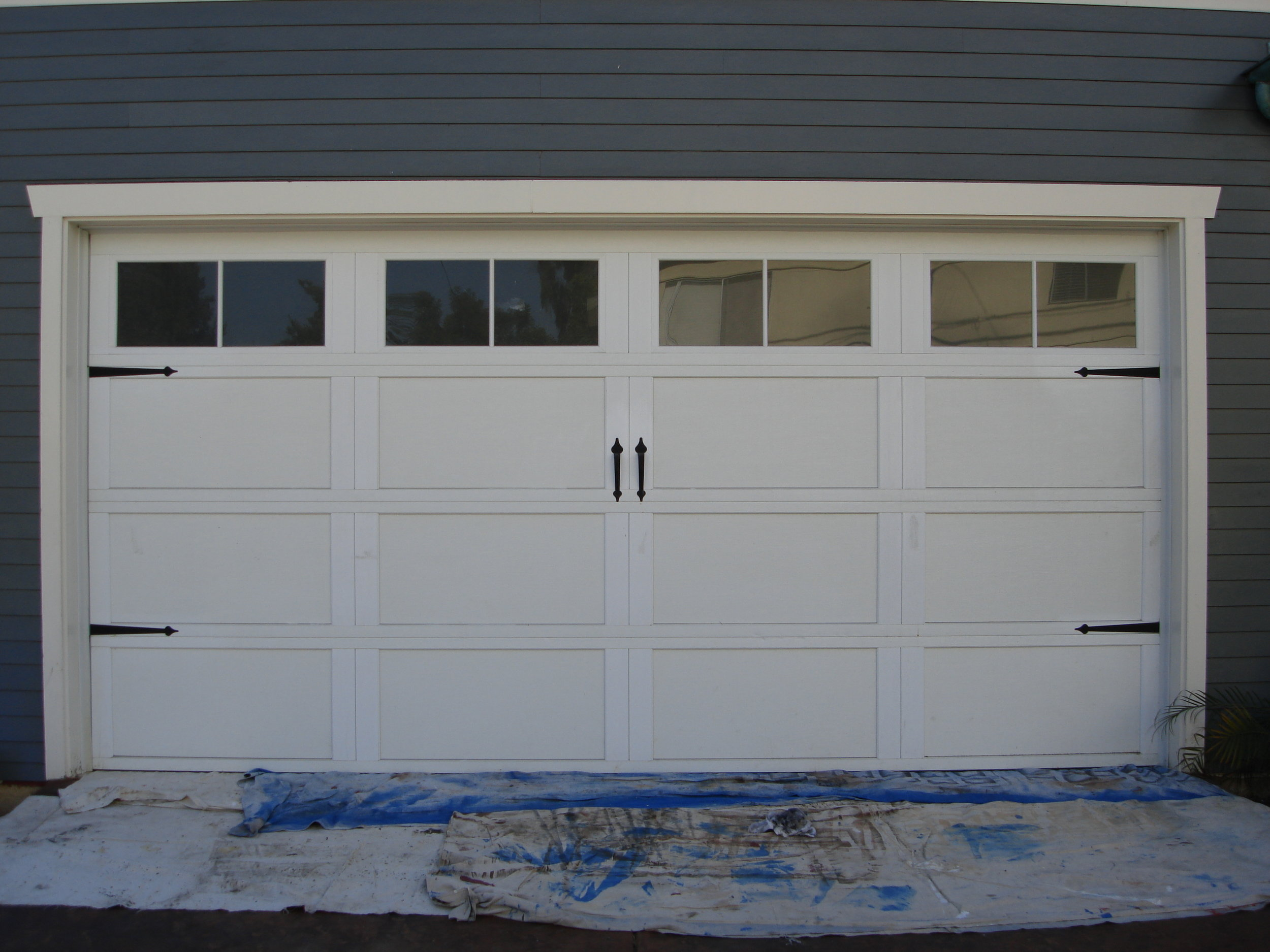 Craftsman_style_garage_door_BEFORE.jpg