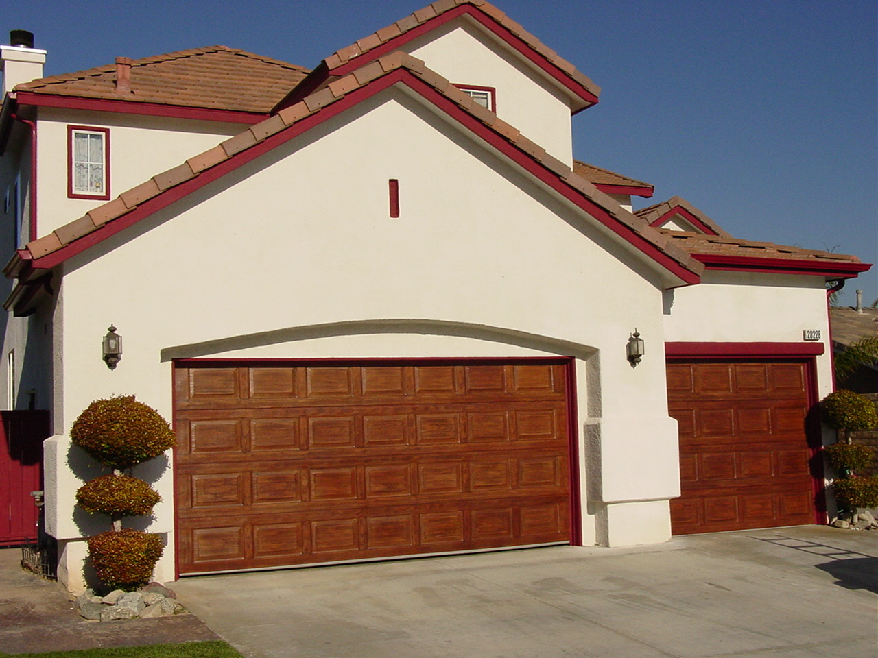 Red_mahogany_garage_door.jpg