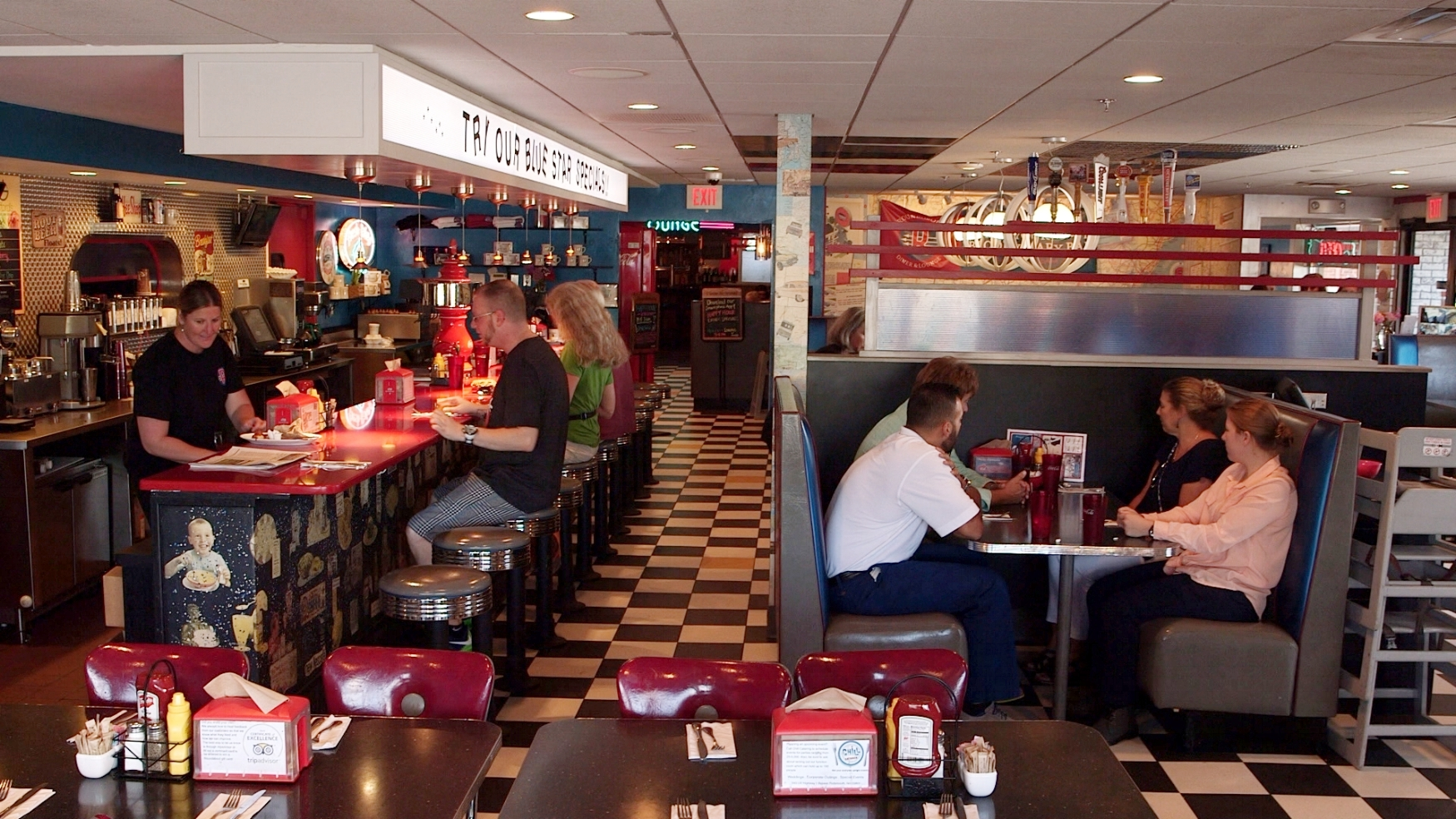 Front Dining Room at the Roundabout Diner & Lounge