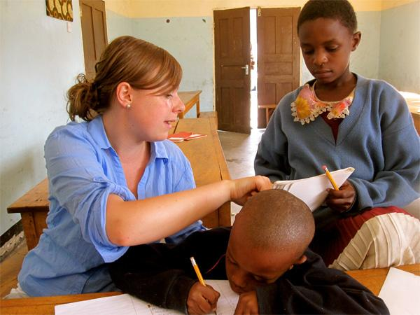 volunteer-giving-english-lessons.jpg