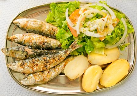 30145960_S_sardines_pototoes_calcium_omegas_healthy.jpg