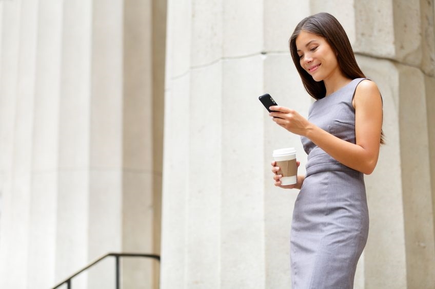17417981_M_Distracted_Walking_Fall_CellPhone_texting.jpg