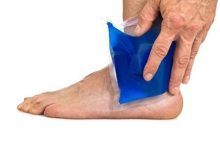 35462504_S_Ankle Pain_Icepack_Blue_Hand_Feet.jpg