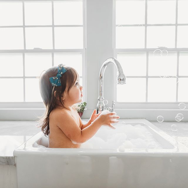 I got together with some photog friends to put our kids in the sink to play!  I LOVE just clean, simple looks like these! . . . #sugarblushphotos #dfwphotographer #dfw #dfwfamilyphotographer #allentx #allentxphotographer #friscotxphotographer #planotxphotographer #mckinneytxphotographer #clickinmoms #thegypsyguidecollective #momswithcameras #childofig #documentyourdays #letthembelittle #childhoodunplugged #ourcandidlife #magicofchildhood #momtogs #pixel_kids #cameramama #momentsinthesun #candidchildhood