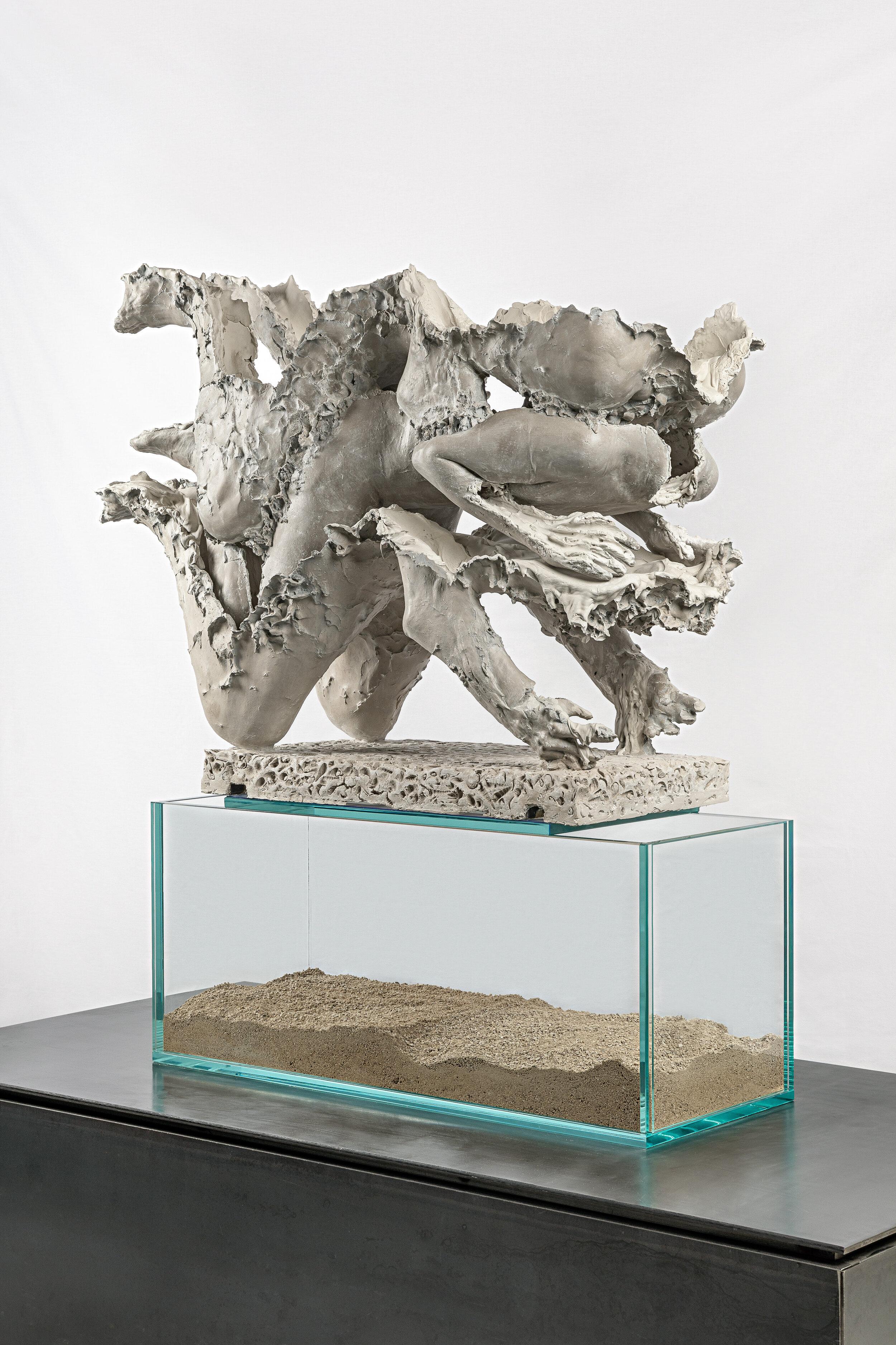 Calcify   Aquaresin, hydrocal, steel, glass, limestone sand, glass fiber, pigment, clay    140 x 45 x 100 cm    2019