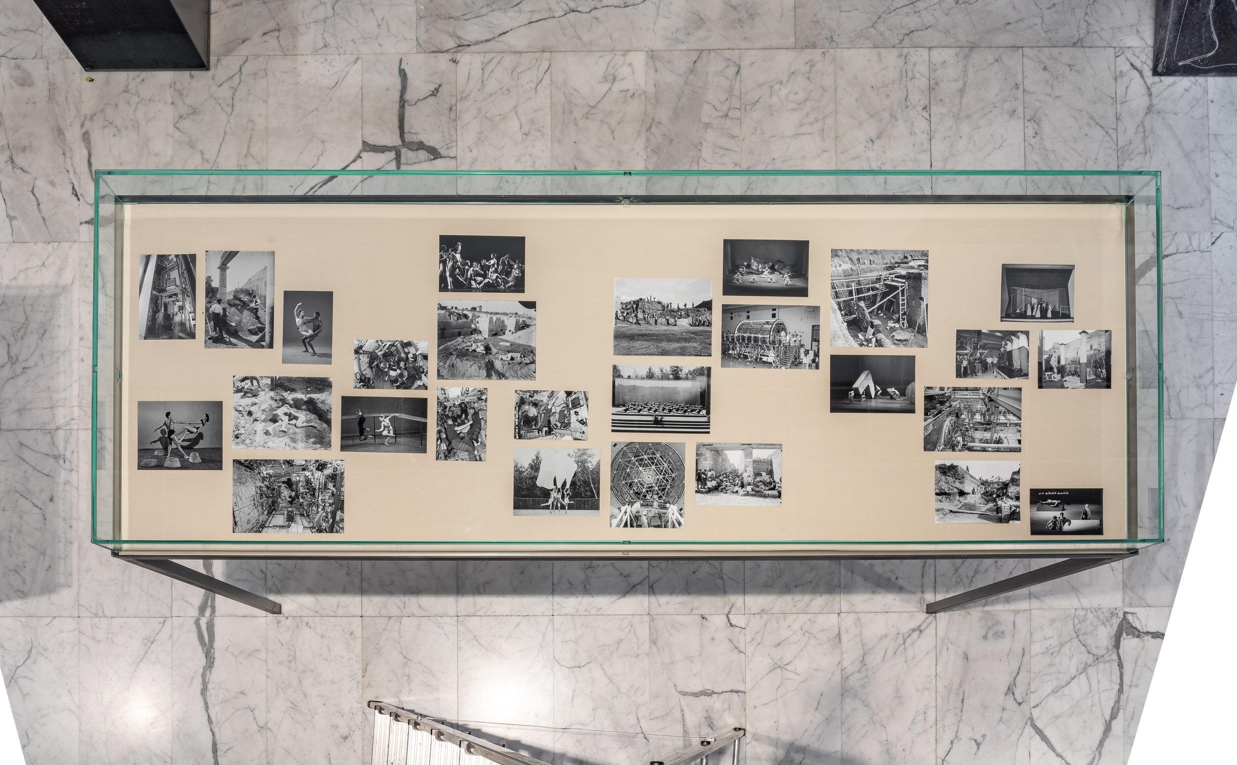 Attitude 1   Steel and glass vitrine, black and white photographs, fabric    100 x 210 x 75 cm    2019