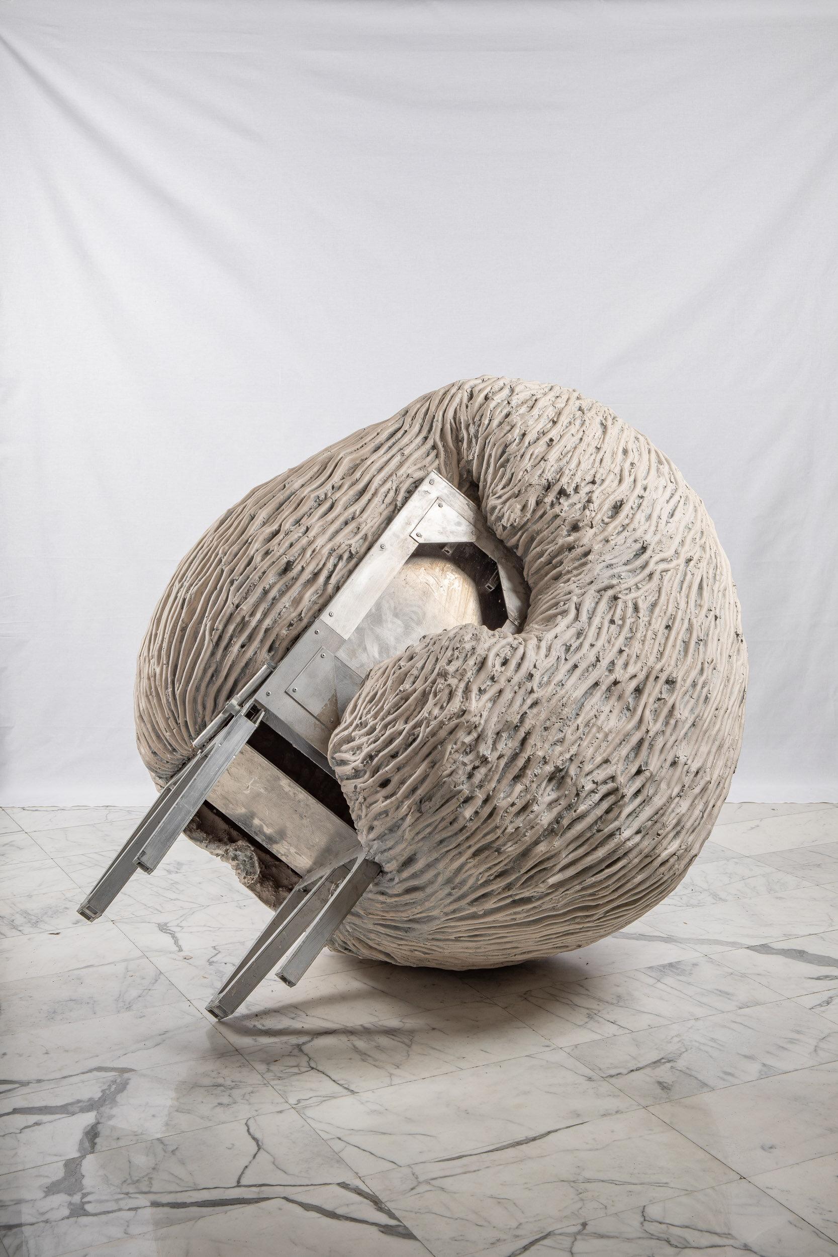 Anthropometry  Aquaresin, aluminium, glass fiber, steel, pigment, clay  170 x 140 x 130 cm  2019