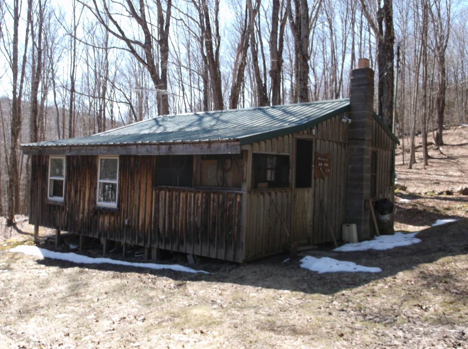 65,000 - Seasonal Cabin5.9 AcresBorders NYS Land200' From NYS Owned Lake