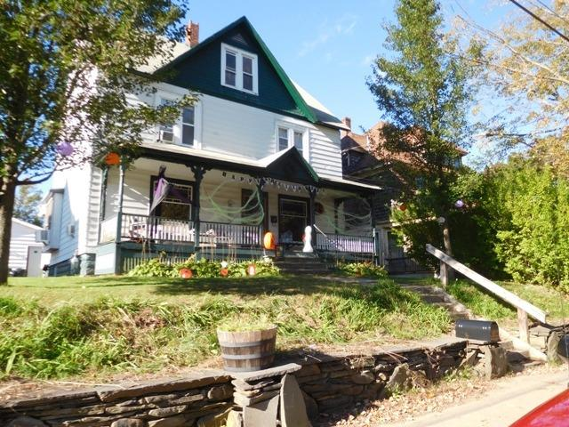 84,500 - Victorian Village HomeUpdated Kitchen; Garage4 Bedrooms, 2 Baths.25 Acre