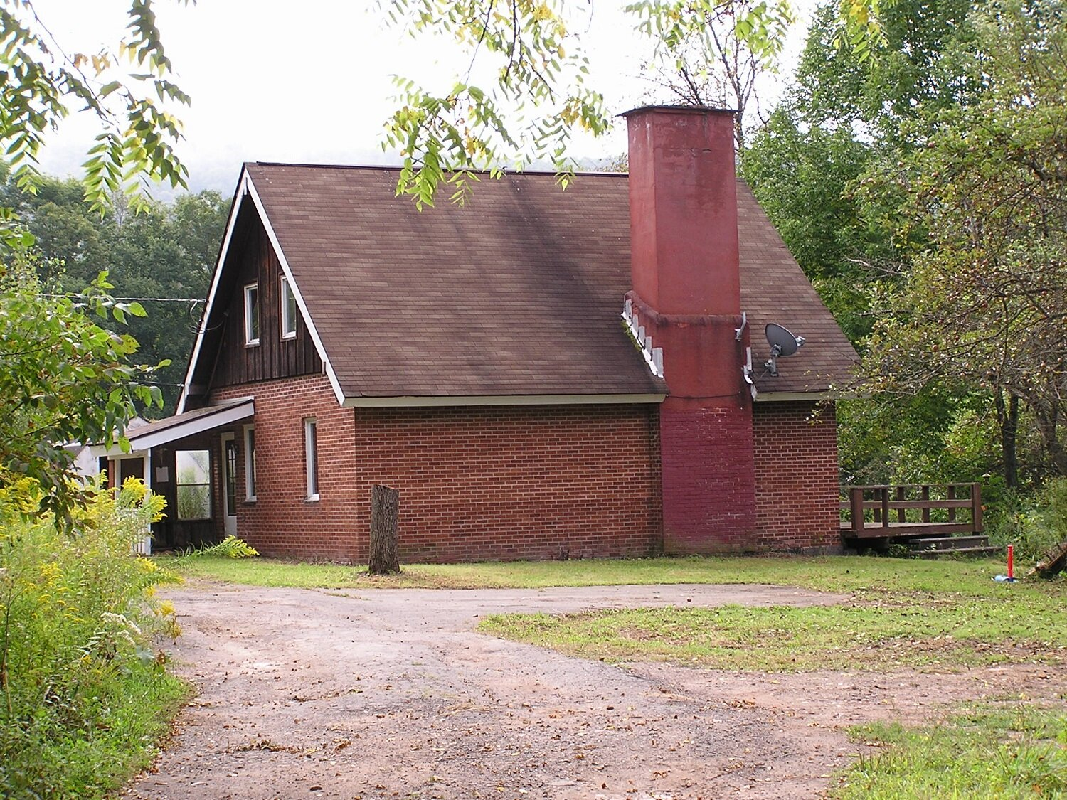185,581 - (Was $200,000)2-Bedroom Brick Homeon 80 Beautiful Acres!