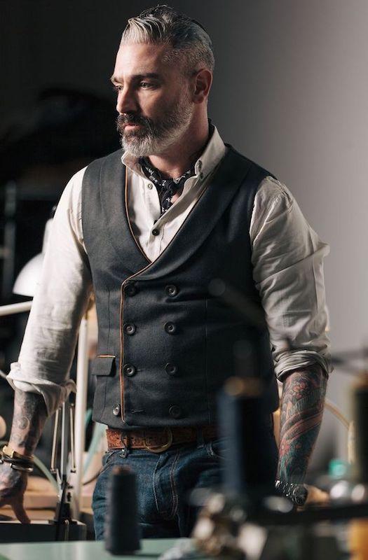 30784fc29f7467eee88e4889d7de007d--waistcoat-men-style-mens-waistcoat.jpg