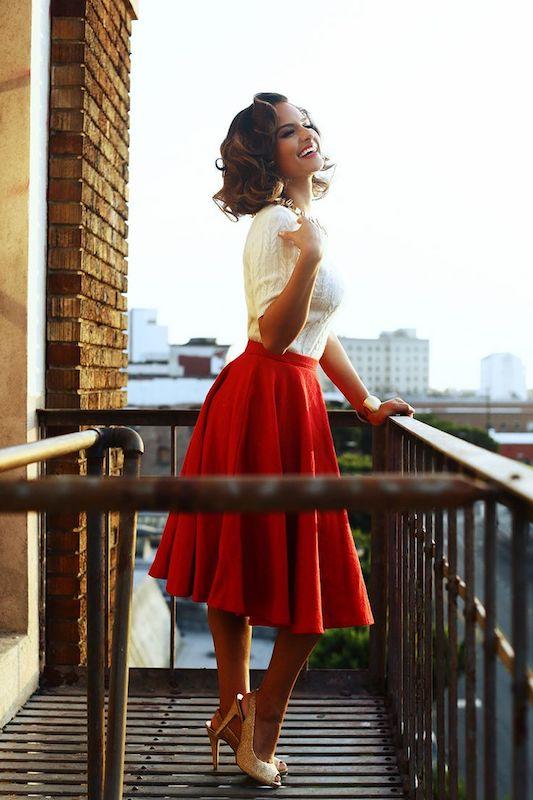 139fc1175f4b63b314e70bbe06f075f5--red-skirts-full-skirts.jpg