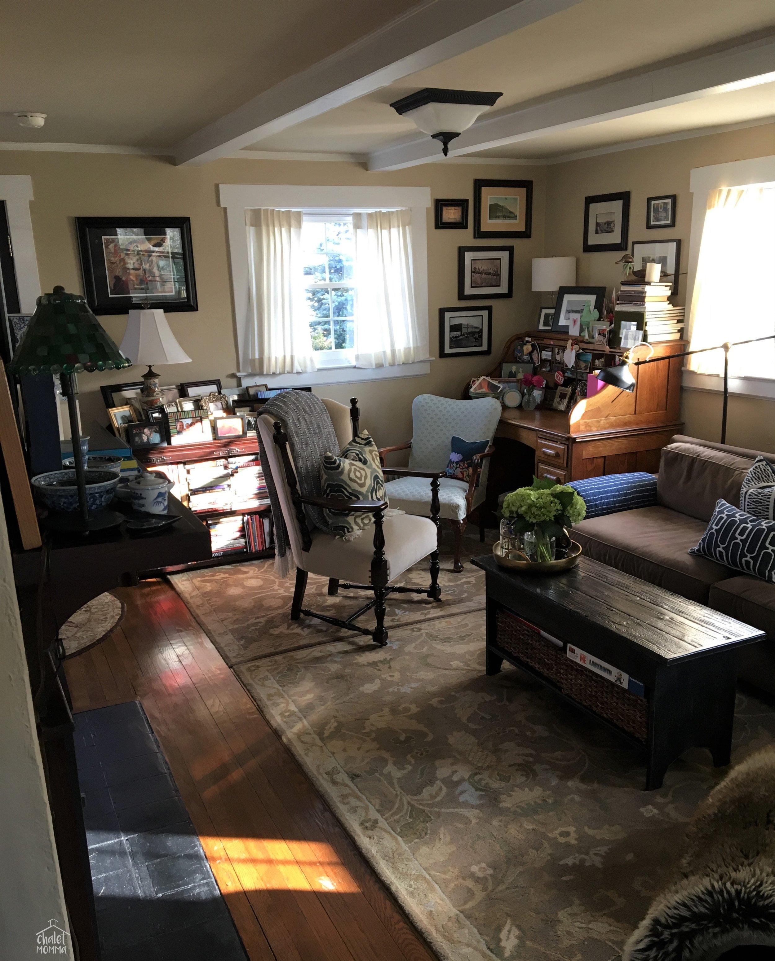 full livingroom view .JPG