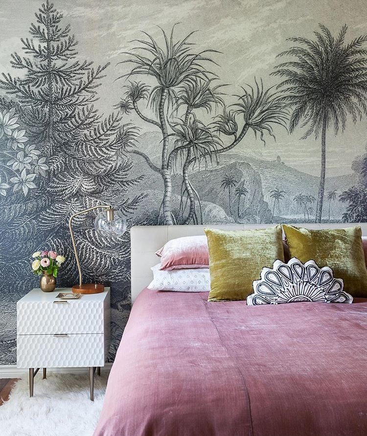 Another exceptional Rebel Walls paper showcased in this master bedroom by Kristin Laing (image  @k.laingdesign )