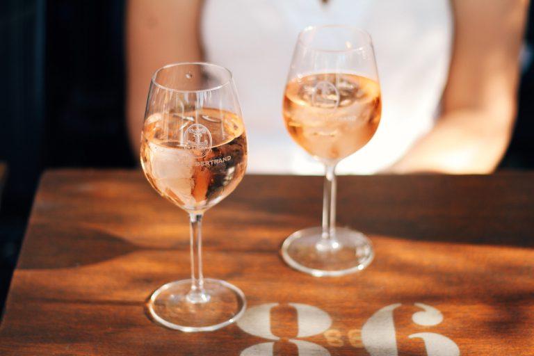 The piscine of rosé, french wine on ice  schez bonne femme