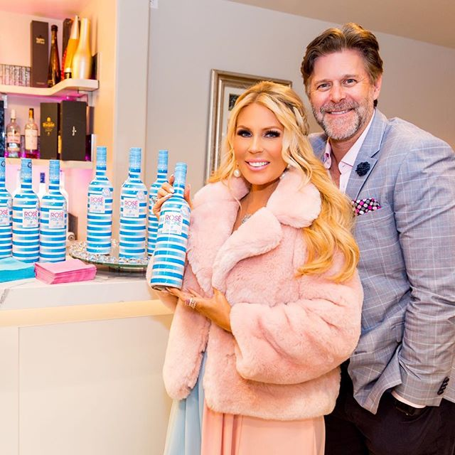 Congratulations @gretchenrossi !  Thanks so much for having us at your gender reveal party!  #rosepiscine #alwaysontherocks