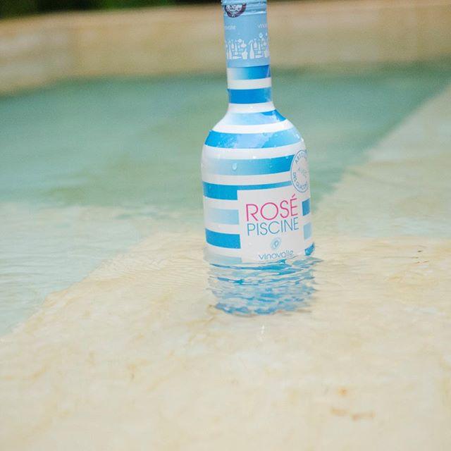 La piscine #rosepiscine #inthepool #alwaysontherocks