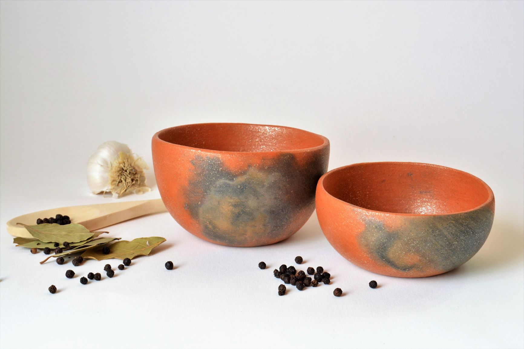 Two small bowls and spices.JPG
