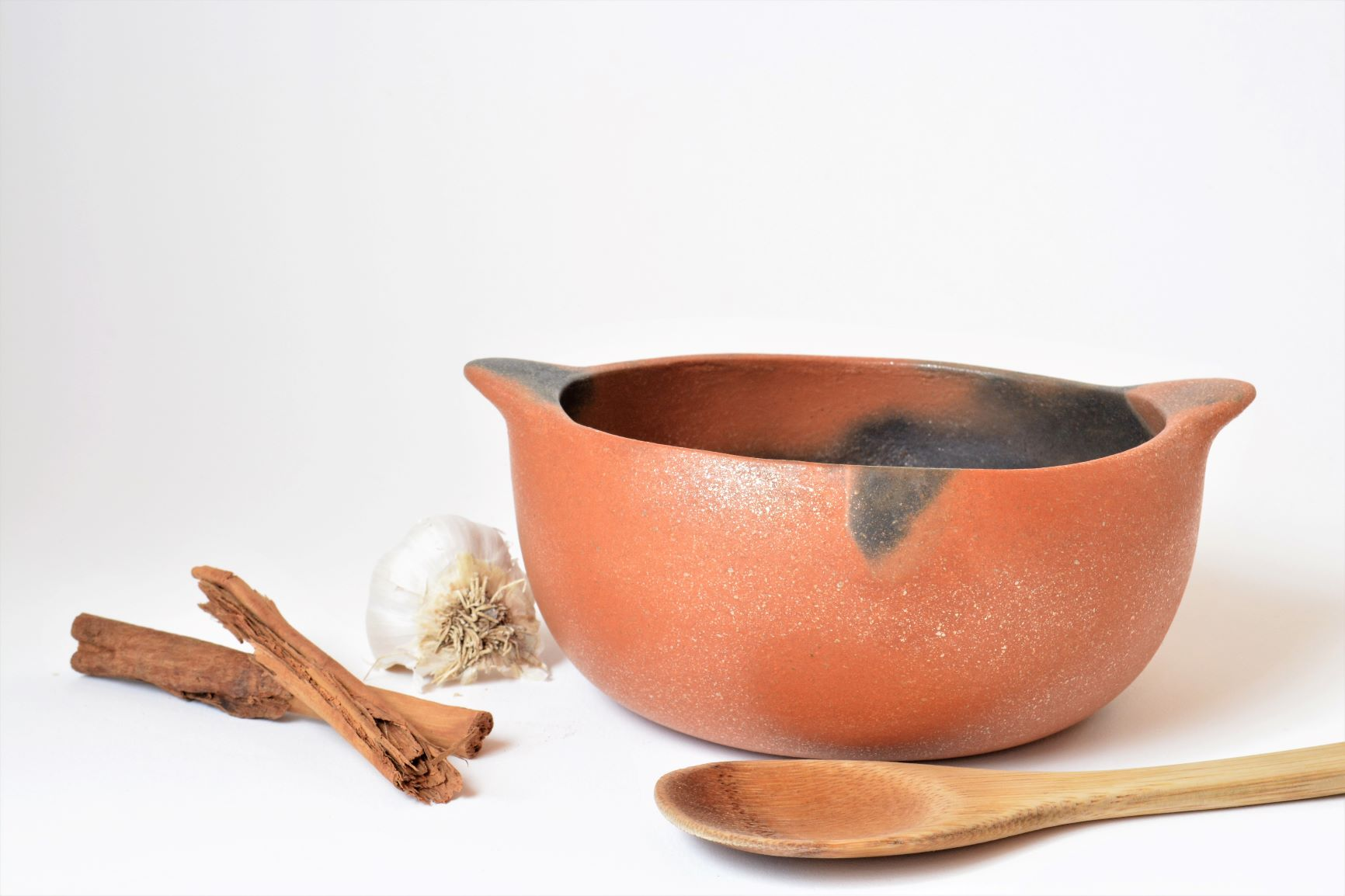 Olla w Handles ready to cook w spoon.JPG