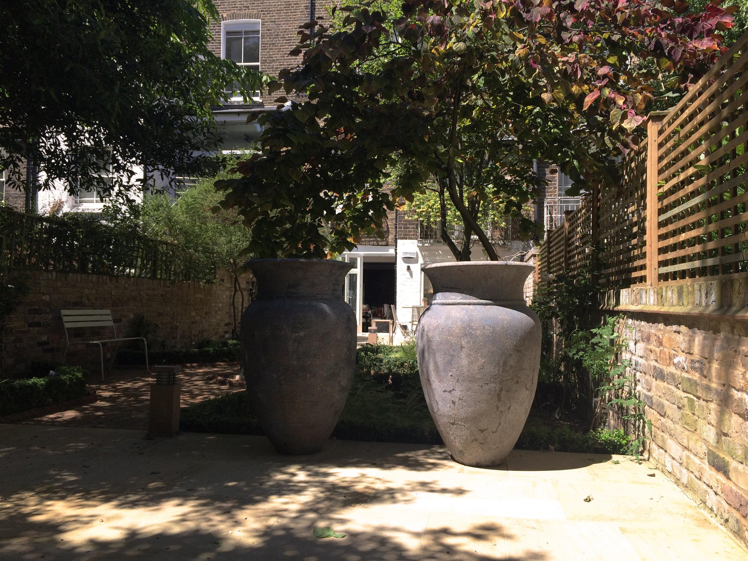 Chalcot-Square-Primrose-Hill-Urn-Cat-Howard-Garden-Design.JPG