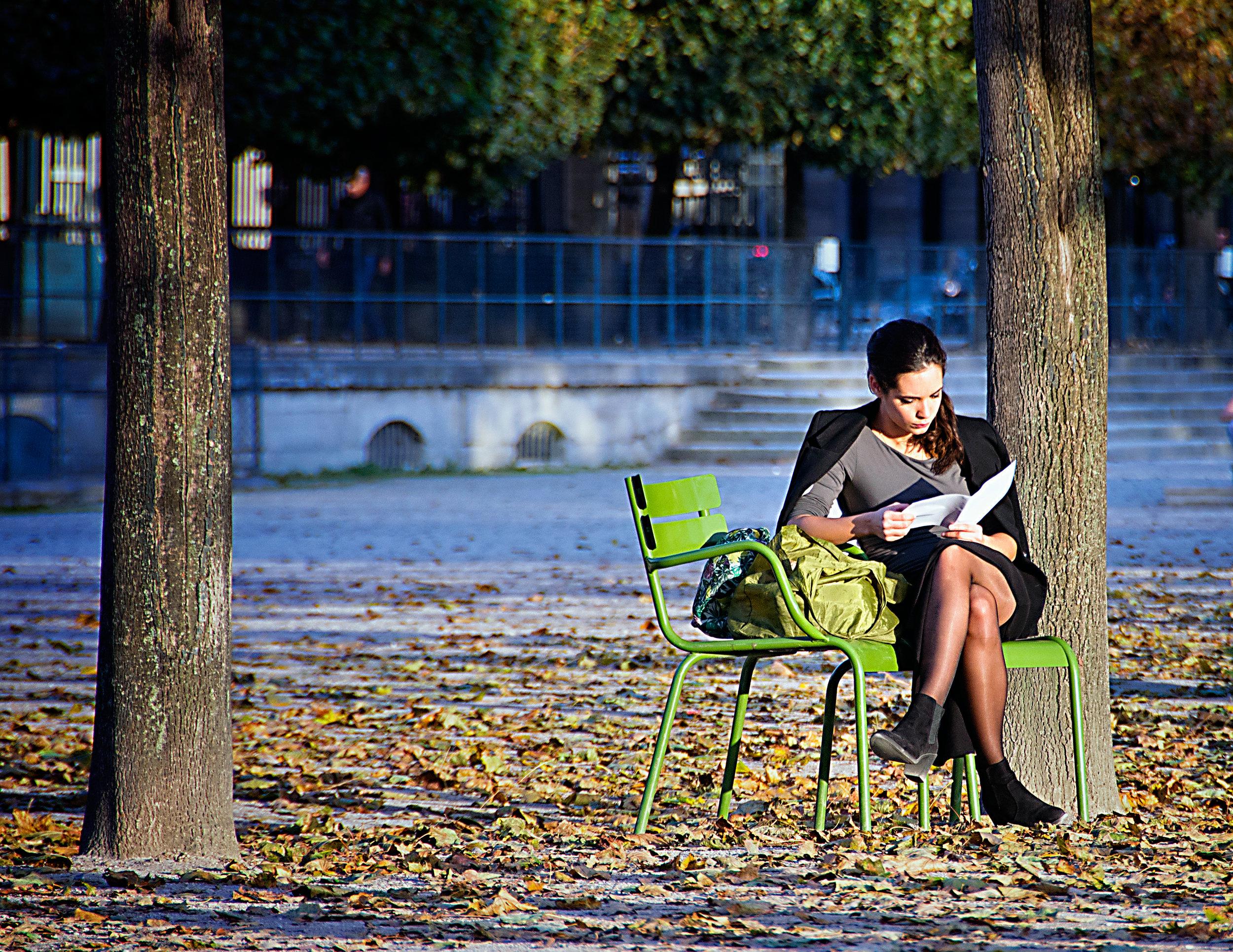 6827_Tuilerie_Reader--11x8.5.jpg
