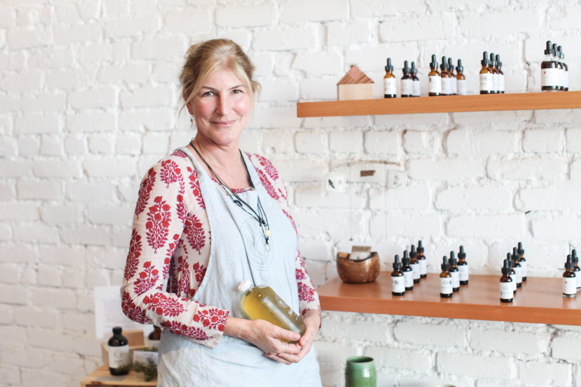 Simples Founder Traci Donat | Her Personal Journey with Plant as Medicine.
