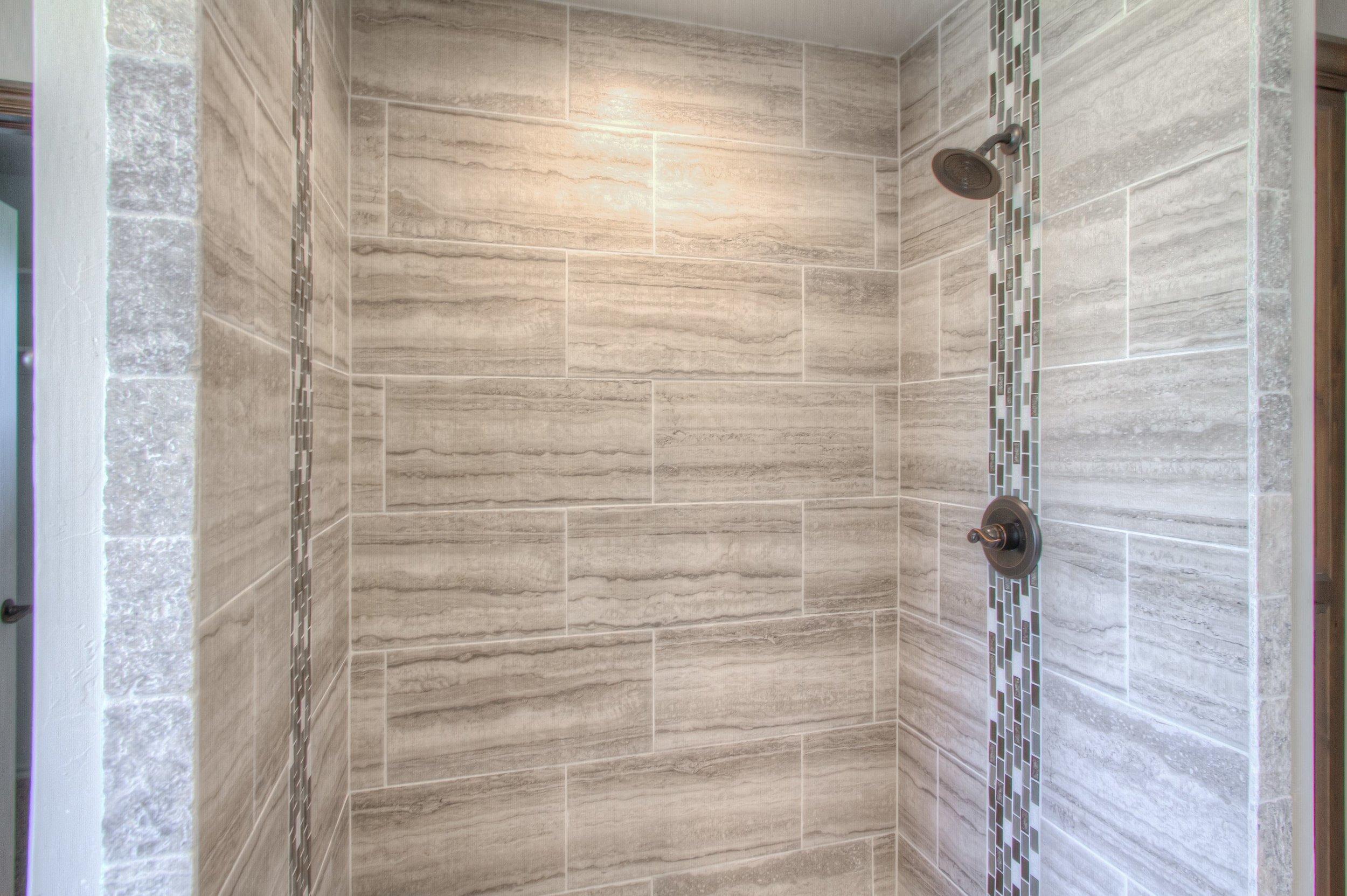 021_Master Shower.jpg