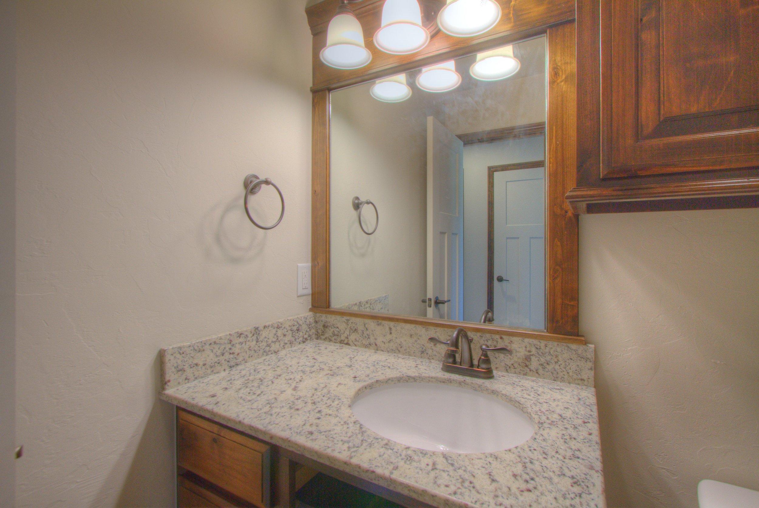 029_Hallway Full Bath.jpg