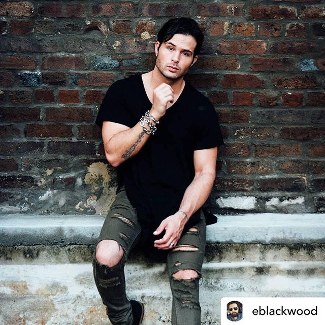 Posted @withrepost • @eblackwood • @codylongo There go those #hands again.. 📸 : @eblackwood