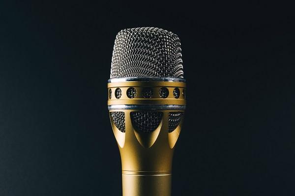singing-mic.jpg