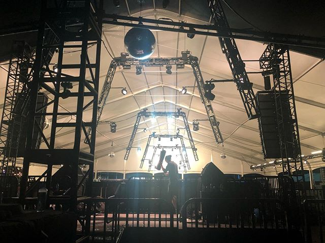 #hardsummer #pinkstage  Design by @sjlighting // Gear and service by @felixlighting // Produced by @insomniacevents