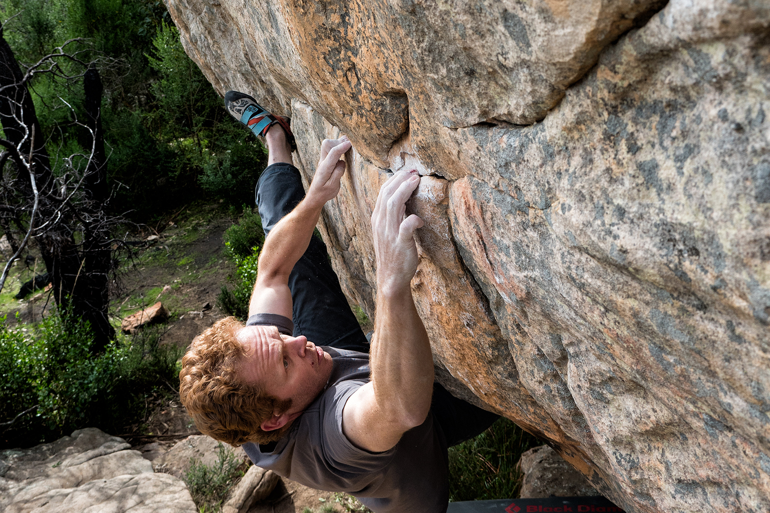 Nick Moore boning down on Seam Grip (V8).  Simon Madden