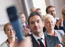 Tone of voice van de overheid: hoe informeel mag je/u zijn? -