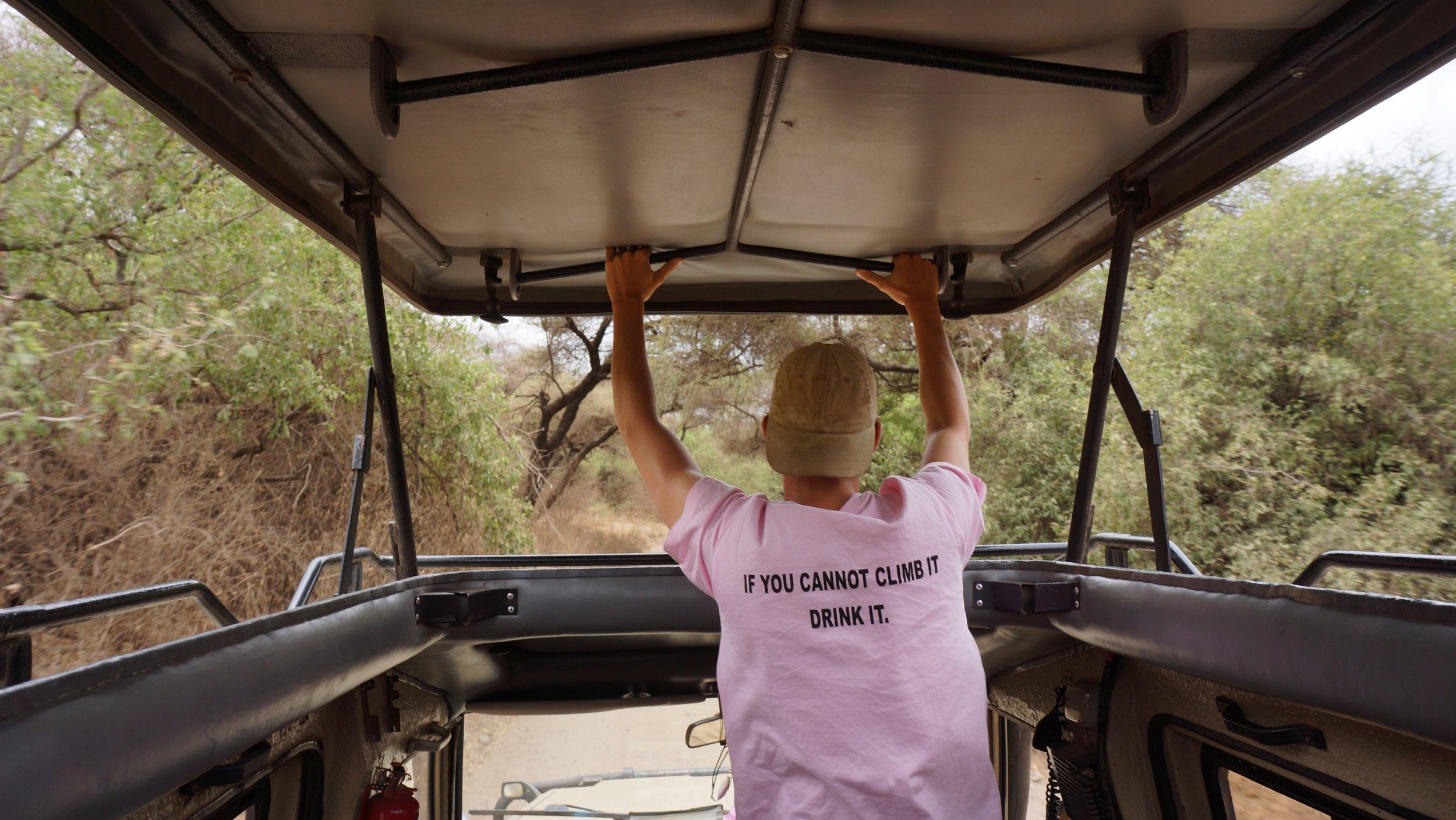 Safari Jeep.JPG