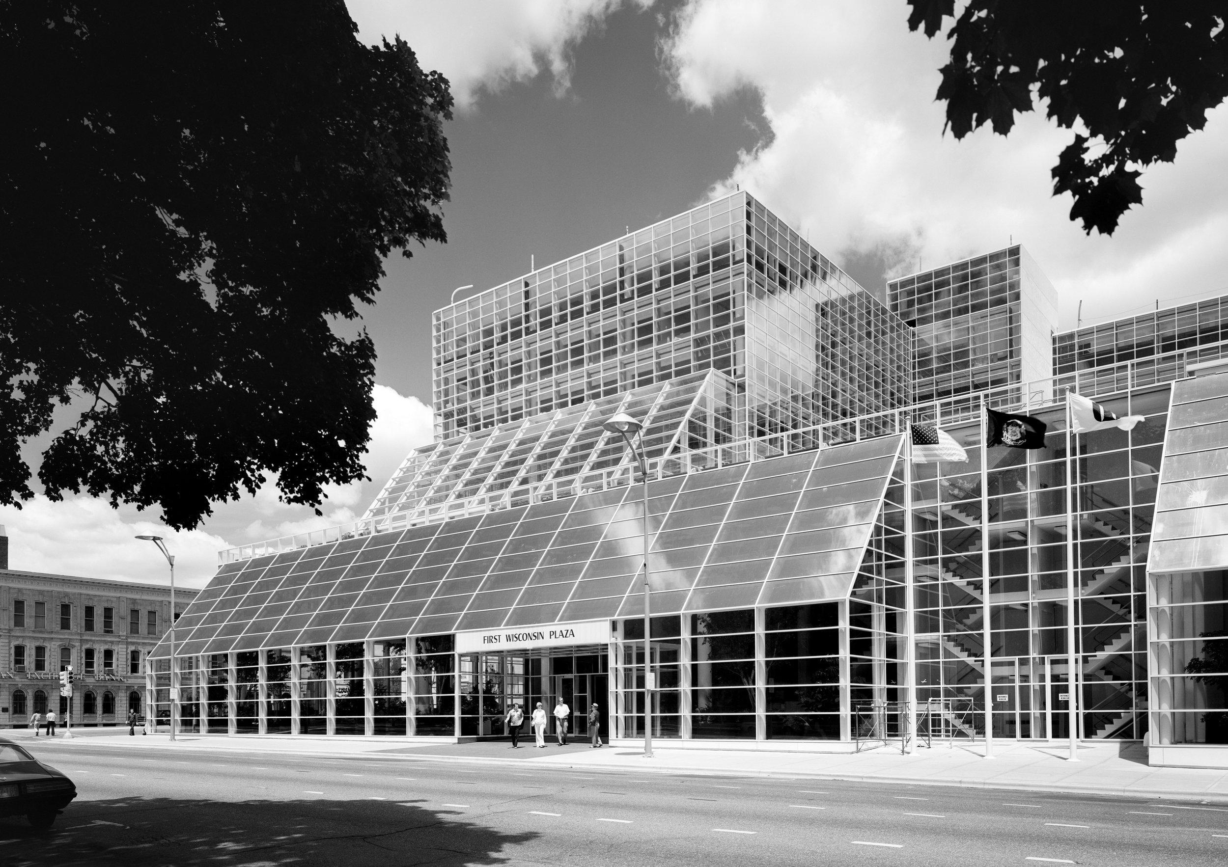 First Wisconsin Plaza as built per Bruce Graham's design.