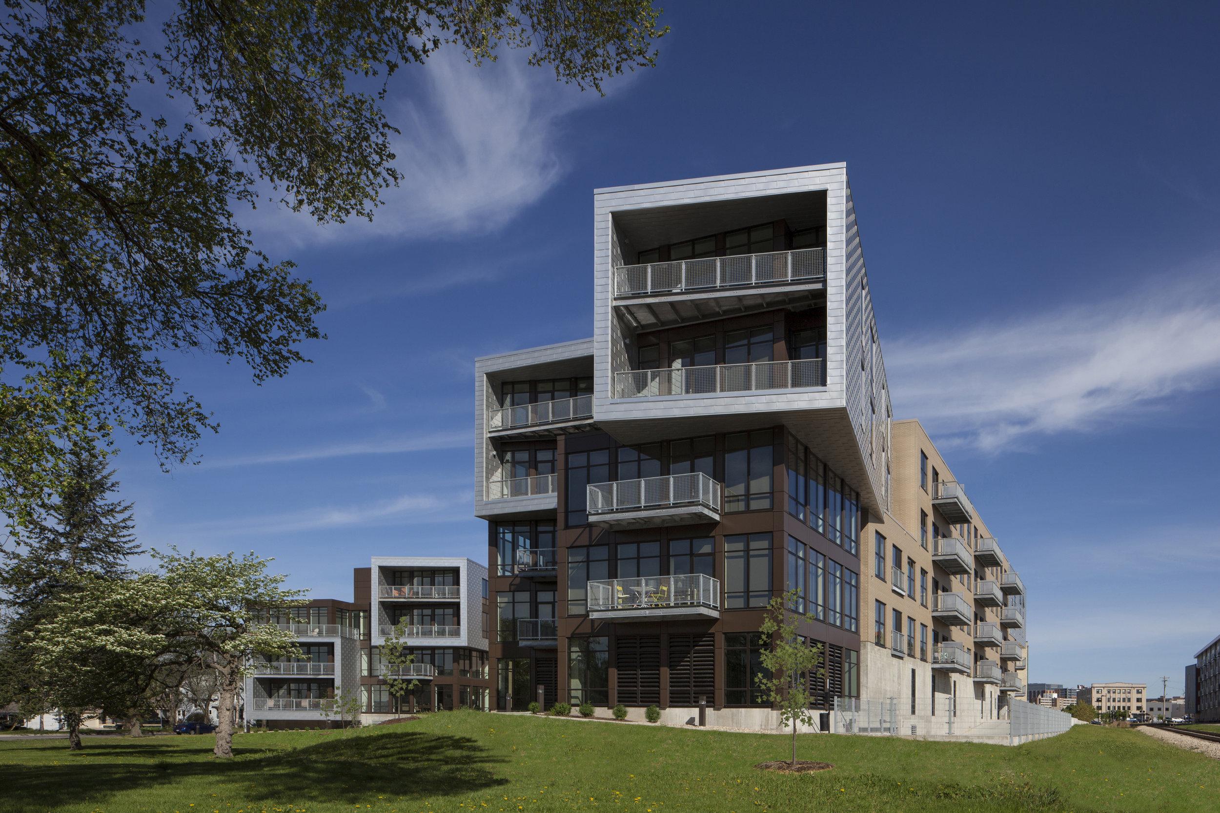 Seven27 Apartments