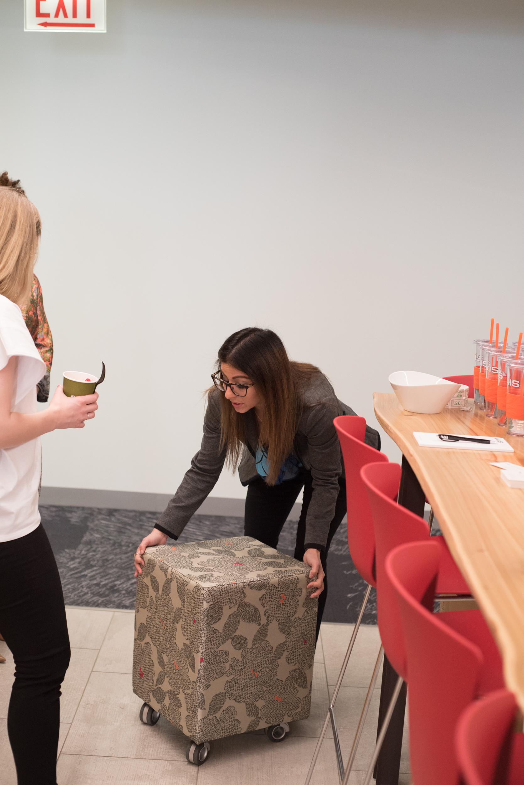Simone checks out an AIS Volker cube