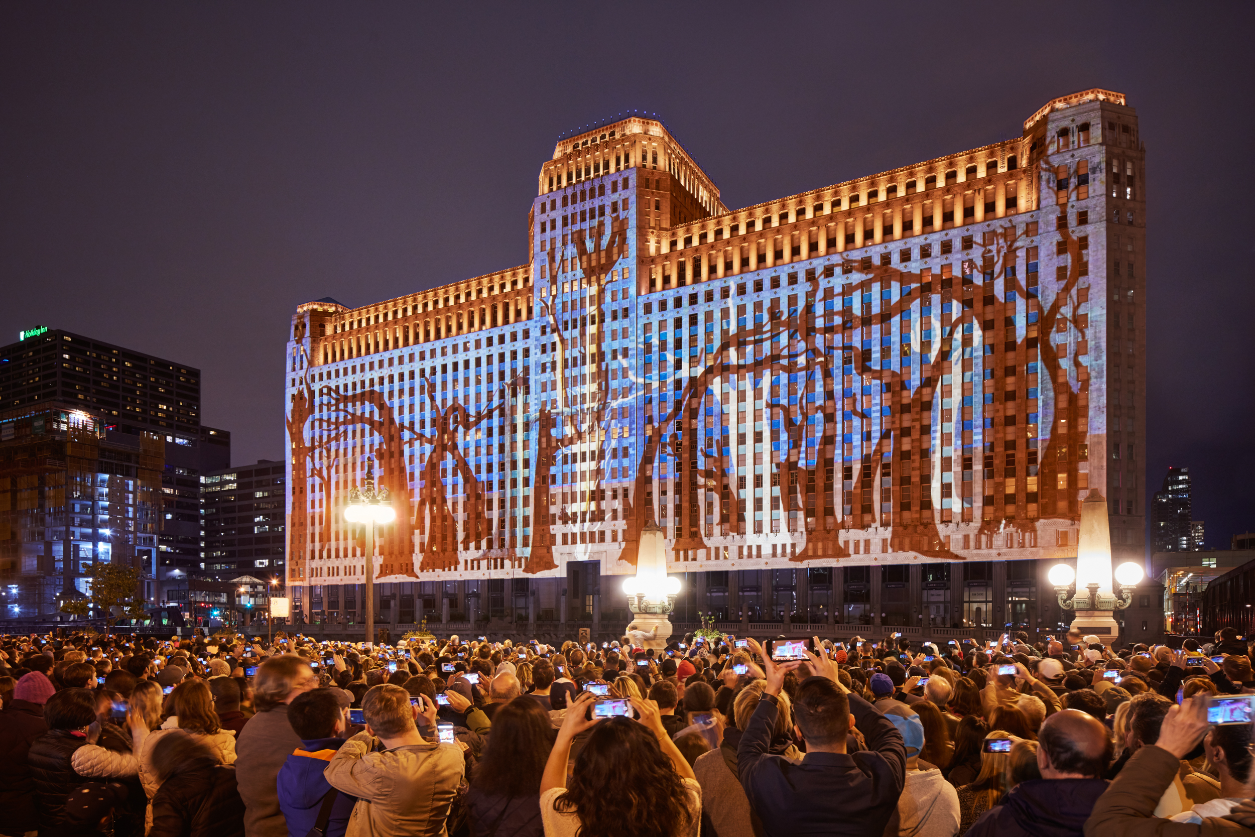 Grand Opening of Art on theMart, Chicago, IL (Photo by Tom Harris)