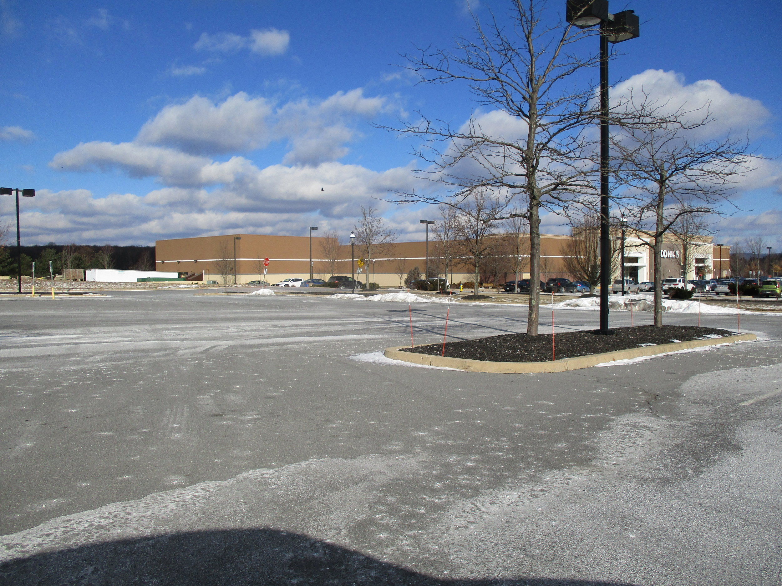 5. Empty space next to Kohl's on Theater Dr.