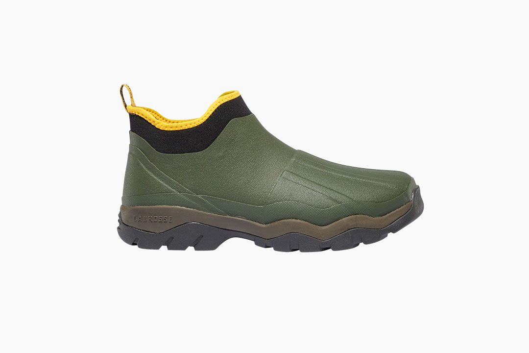 Lacrosse alpha muddy boot - Walking through the muck has never been more convenient. Premium rubber on the outside, neoprene and Air-Circ mesh lining on the inside, the Alpha Muddy is perfect for the quick, messy jobs that dads always seem to get themselves into.